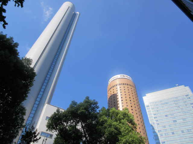 丸ビルとヒルトン大阪