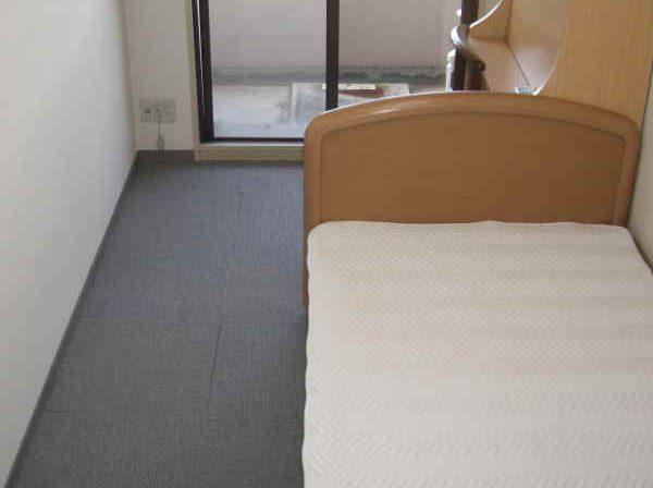 ベッド-1
