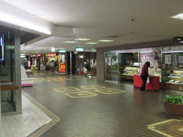 駅 地下街