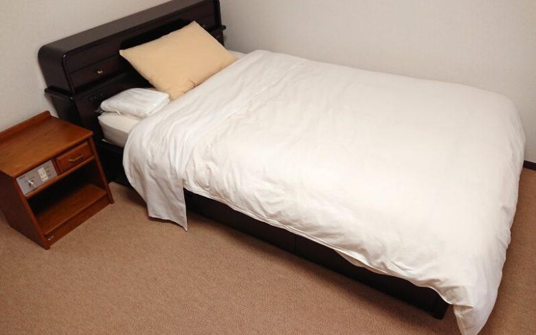 寝具一式付き