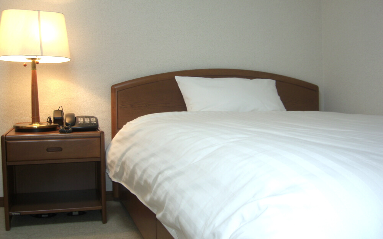 ベッドは寝具一式付き