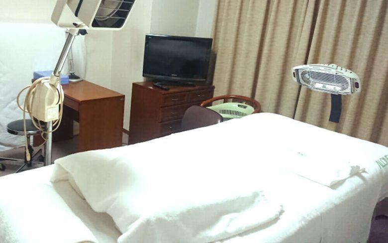 アローンズ大阪 鍼灸マッサージ室