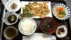 アローンズ大阪 食事